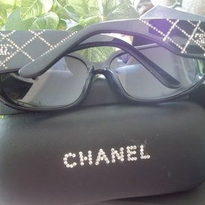 Authentic CHANEL Sunglasses With Case & Box